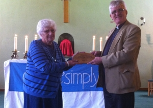 Sr Pat Robb recieves Livesimply award (landscape - a4 cropped)
