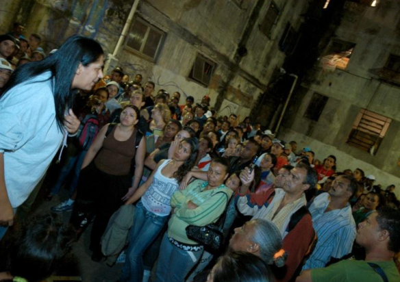 Nete addresses the residents of Sao Paulo