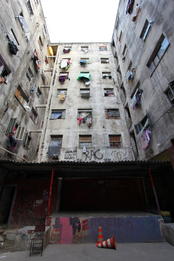 Internal courtyard of the Mauá apartment building occupied by a community of homeless people - joelle hernandez - 2